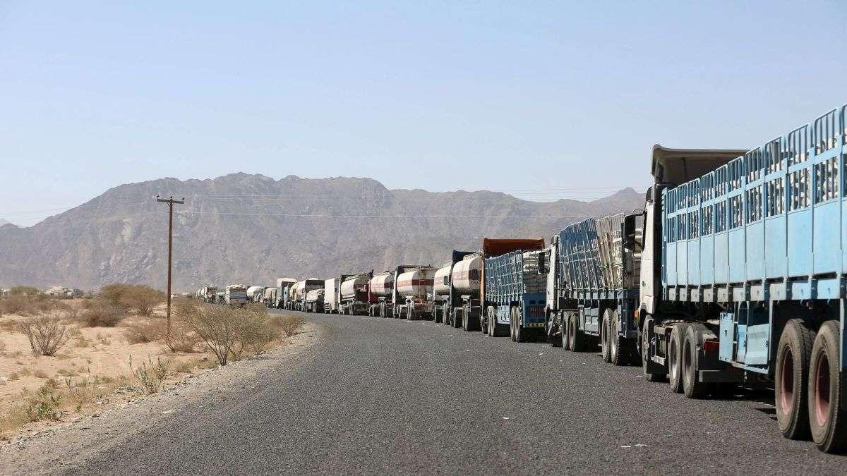 مصادر إعلامية تتوقع تراجع الحكومة اليمنية عن قرار رفع الرسوم الجمركية و